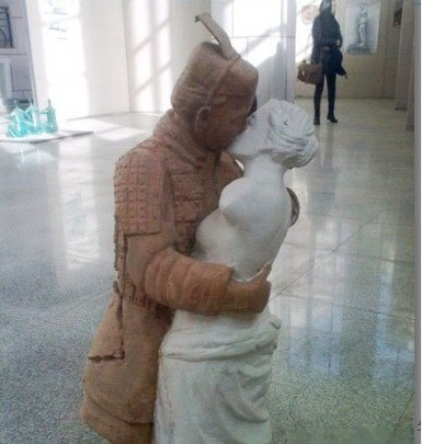 穿越世纪的吻